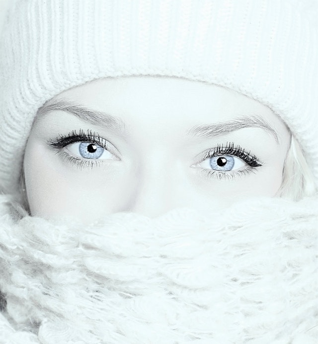 beautiful-beauty-blue-eyes-huile-de-ricin